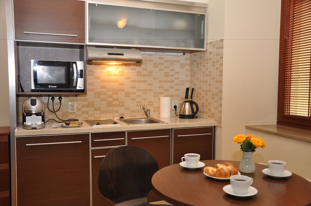 Private Kitchenette, Red Brick Apartments