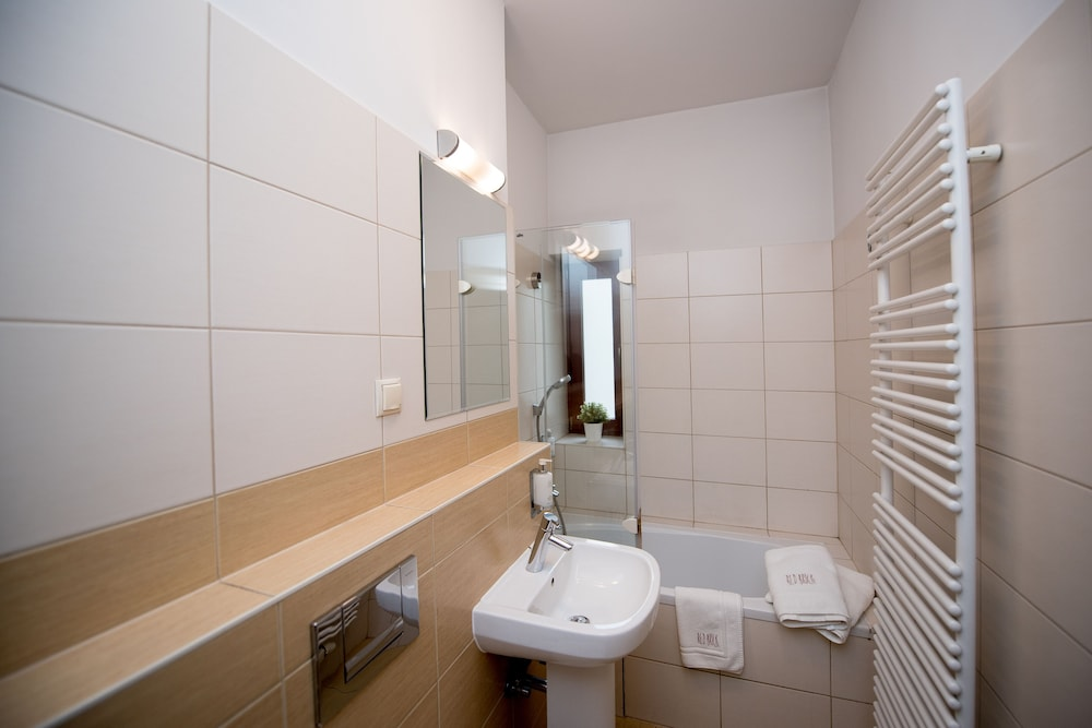 Bathroom, Red Brick Apartments