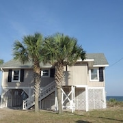 Just a Beachy Time! - 4 Br home by RedAwning