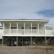 Conch Out - 4 Br home by RedAwning
