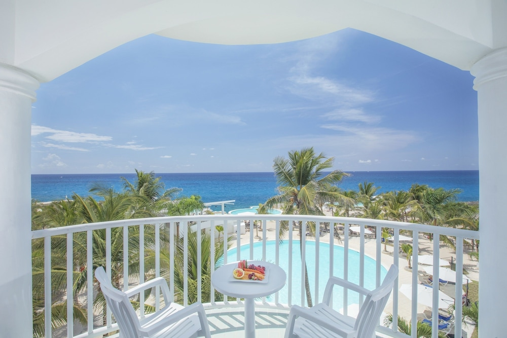 Balcony, whala!bayahibe - All inclusive