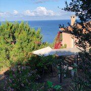 2 Bedrooms House With all Conforts, Fabulous View on the bay of Tiuccia , 20 km From Ajaccio