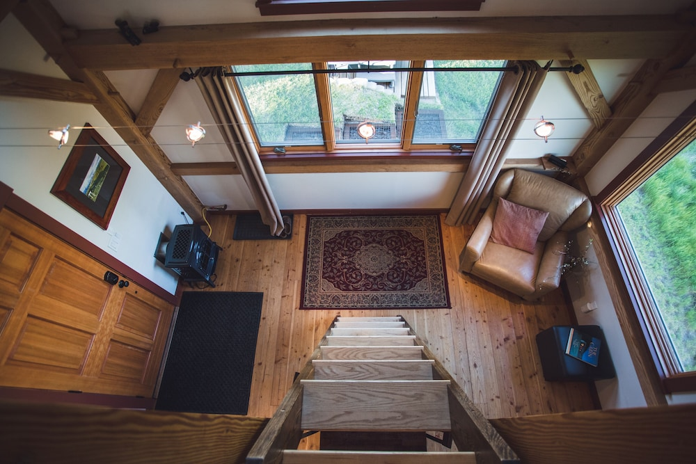 Living Room, Cozy Timber Frame Cabin with Private Hot Tub and Amazing Views!