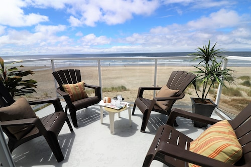 Exquisite Unobstructed Oceanfront Views! Luxury Home With Direct Beach Access!