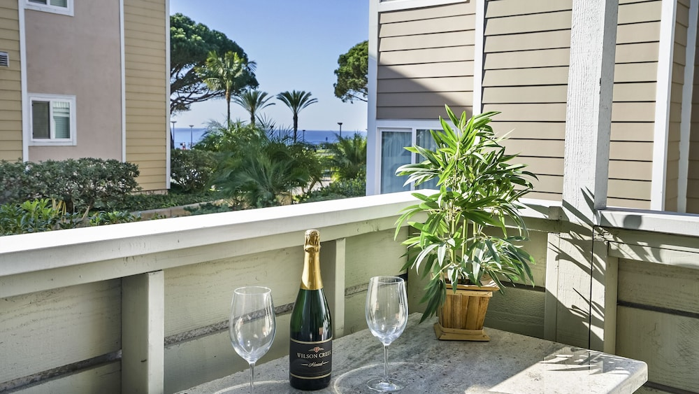 Ocean Side OF PCH ??? Open August ???? Ocean View!: 2019 Room Prices