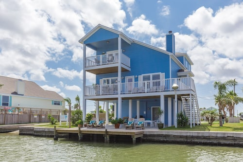 Coastal Class Waterfront/privateheated Pool/boat Launch/lighted Fishing Dock/4br
