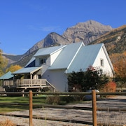 Bear Paw Lodge - A Mountain Retreat Near To Golden & Kicking Horse