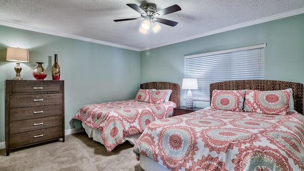 2 bedrooms, iron/ironing board, WiFi, bed sheets