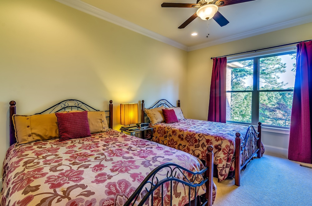 Room, First Class Amenities & Spectacular Location! 8 Beds, 5 Tv's, Pool Table...wow!