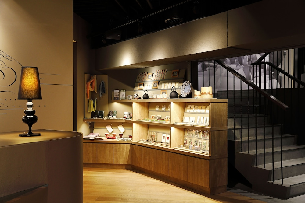 Gift Shop, HakoBA Hakodate by THE SHARE HOTELS