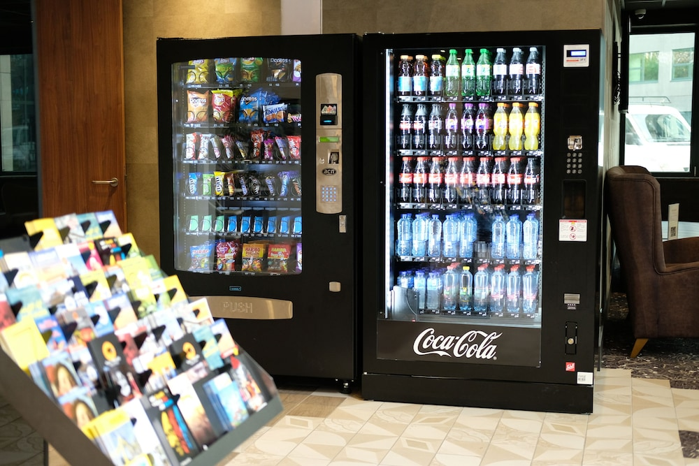 Vending Machine, Hotel Levell