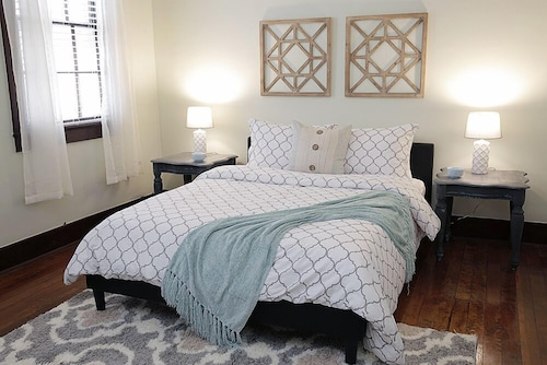 Great Place to stay LARGE 2BR in Warehouse District HEART OF NOLA near New Orleans