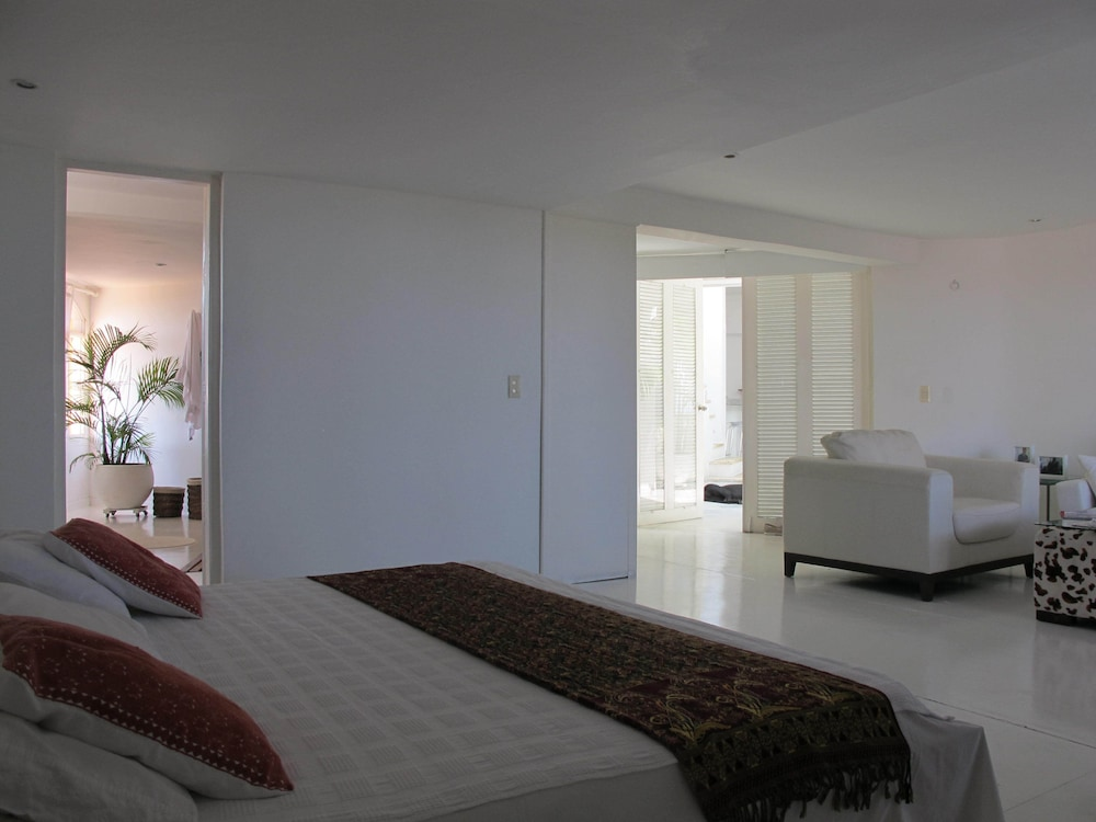 Room, LUX Private Pool Penthouse Facing THE Caribbean IN OLD Historic Town!