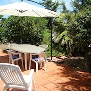 Great Location, Ideal for al Fresco Dining, Only few Minutes Walk From the Beach
