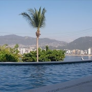 Villa Ladomar - Las Brisas Guitarron - Incredible Bay View!