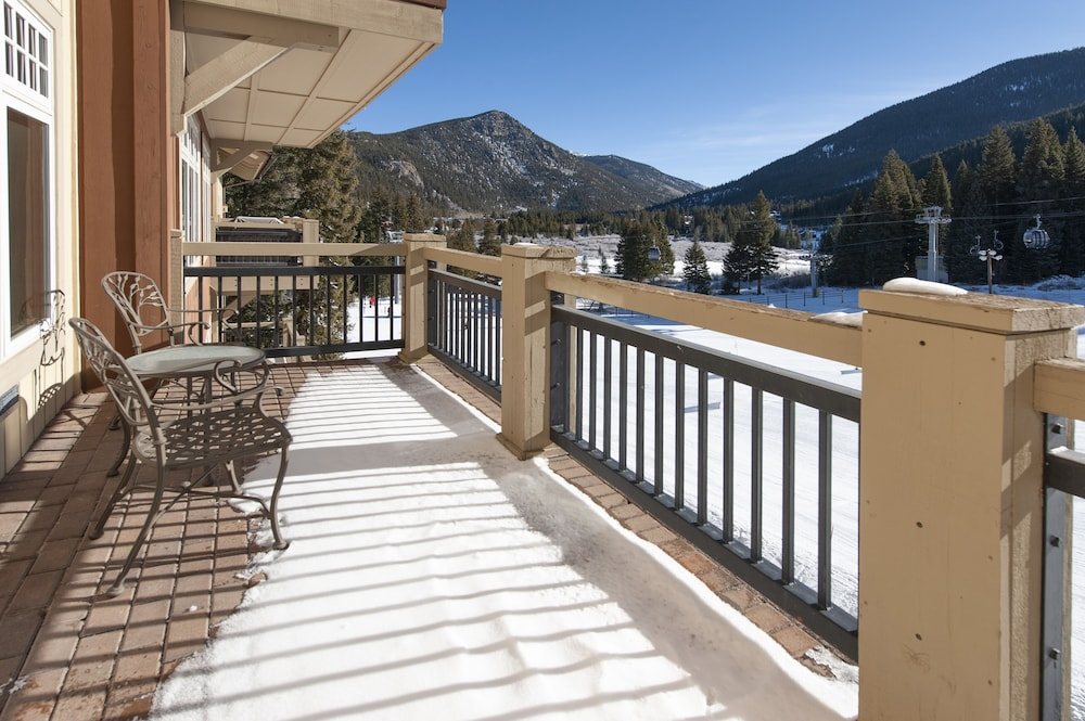 Balcony, Ski-in Ski-out 2br/3ba Condo With Mountain Views!