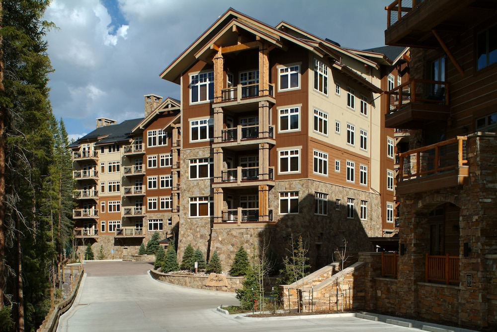 Exterior, Ski-in Ski-out 2br/3ba Condo With Mountain Views!