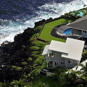 3-level Oceanfront Home. NOT IN Area With Recent Lava Flow!!!