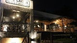 The Cavern Pod Hotel & Specialty Café - Hostel - El Nido Hotels