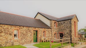 2 bedrooms, free WiFi, wheelchair access