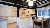 Fullers Cottage - Horsham Hotels
