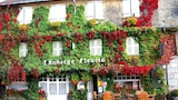 Auberge Fleurie - Montsalvy Hotels