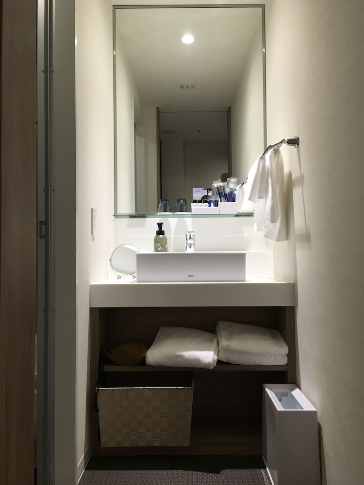 Bathroom Sink, Nippon Seinenkan Hotel