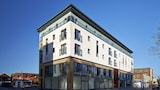 Eighteen East By Esa - Southampton Hotels