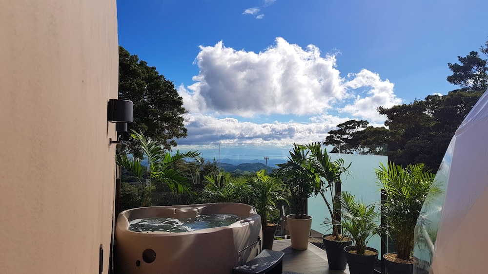 Jetted Tub, Chira Glamping Monteverde