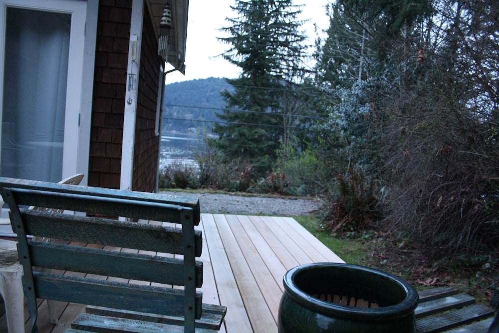 Balcony, 'captain's Quarters' Waterfront Cottage on Fulford Harbour