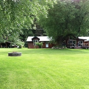 Lakefront Estate- Home & 3 Small Cabins ON Bull Lake