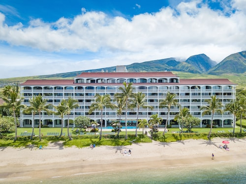 Best Beachfront Location in Lahaina 95+ 5 Star Reviews No Resort Fees $4 pk