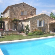 Provencal Stone House With a Large Private Heated Pool, Phone and Free Wi-fi