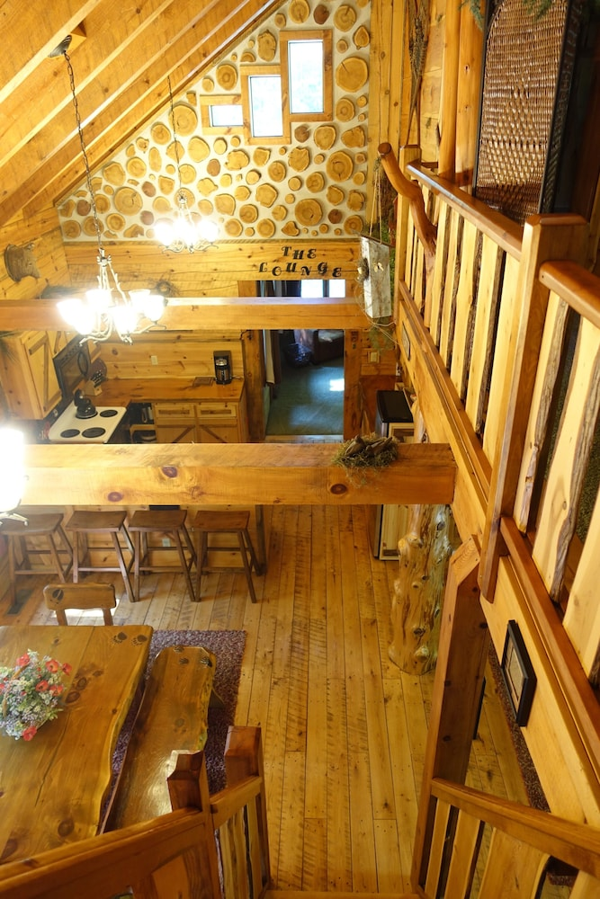 , Stunning Door County Cabin In The Woods, Wi-fi, Firepit, Fireplace, Game Room