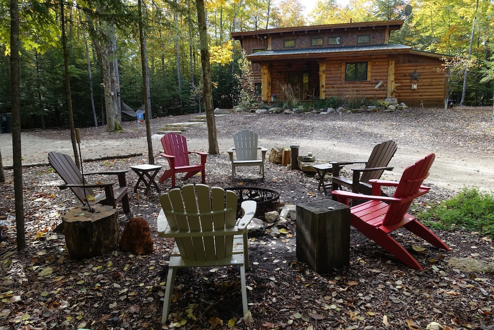 Property Grounds, Stunning Door County Cabin In The Woods, Wi-fi, Firepit, Fireplace, Game Room