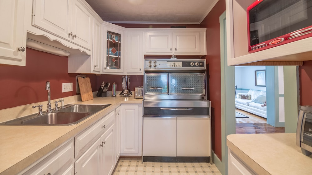 Private Kitchen, Kellers Historic Home Center Square Strasburg one Mile of Sight and Sound