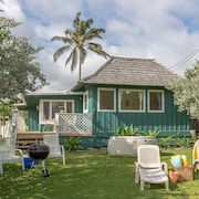 Beachfront Plantation Cottage - 3bd/2ba House - Kailua Beach