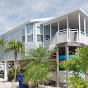Oceanside Resort: Kayaks,free Wifi, A/c,outdoor Grill,elevated Deck,24hrsecurity