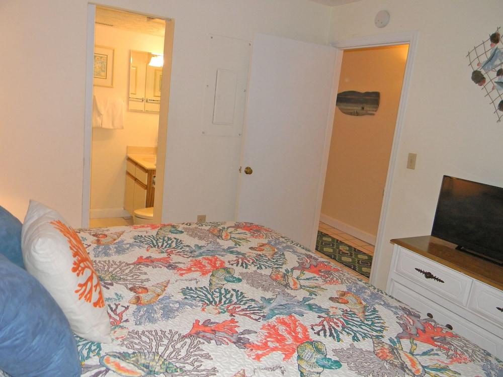 Crescent Towers I   1 Bedroom /2 Bathroom   June 2 Week  $895