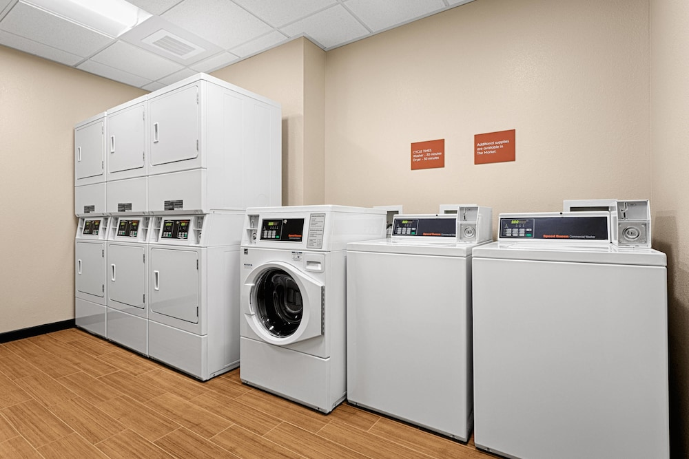Laundry, TownePlace Suites Charleston Mt. Pleasant