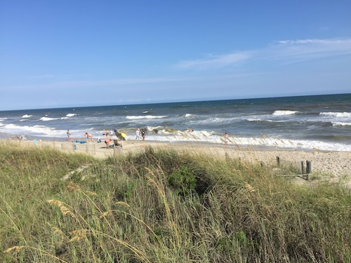Spectacular Direct Oceanfront 2BR Condo in Emerald Isle NC