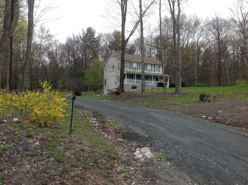 Large Clean Home in Pine Bush Near Wallkill Bethel, Watchtower Farm, Ny