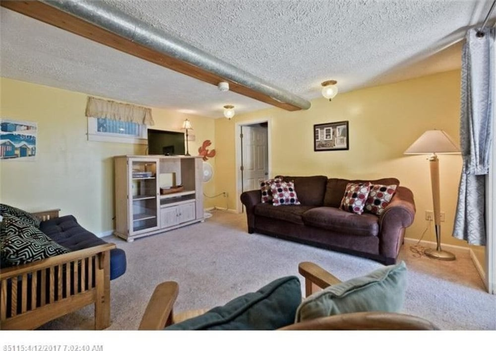 Living Room, Don't miss out on the beach this summer! Grab a group of friends and come visit!