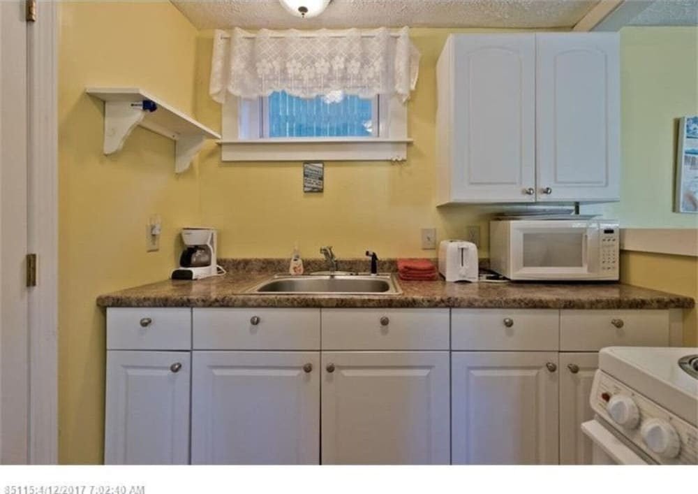 Private Kitchen, Don't miss out on the beach this summer! Grab a group of friends and come visit!