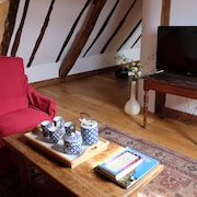 Lovely Cottage for 4, in Dordogne With Heated Pool, Spa, Playroom, Bikes..