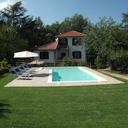 Detached Villa With Private Swimming Pool set in Mature Gardens With Vineyard