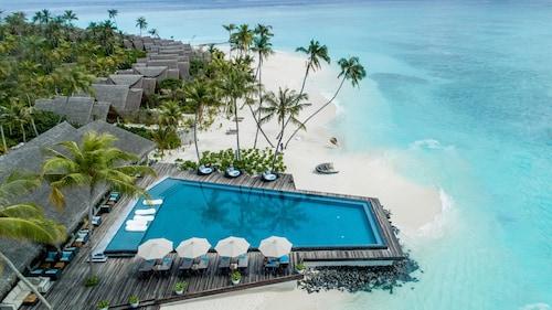 Hotels Near Komandoo Beach In Komandoo From 546 Ebookers Com