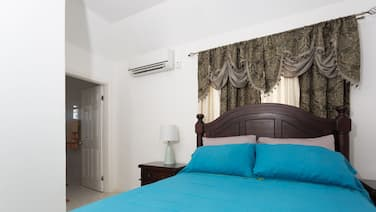 New Kingston Guest Apt at Fairway