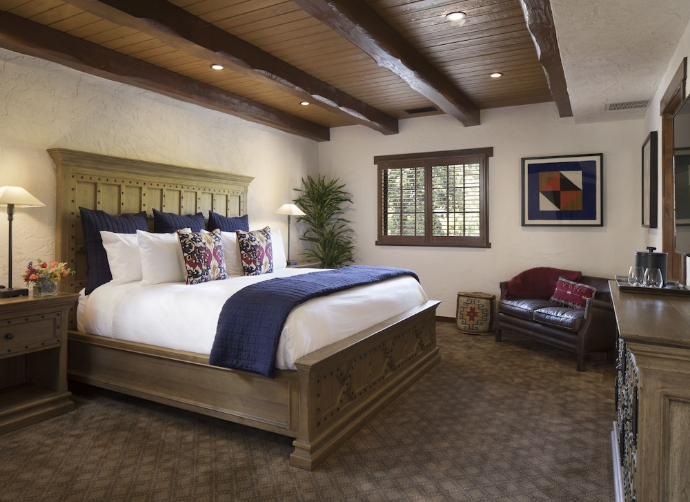 Room, Rancho Caymus Inn