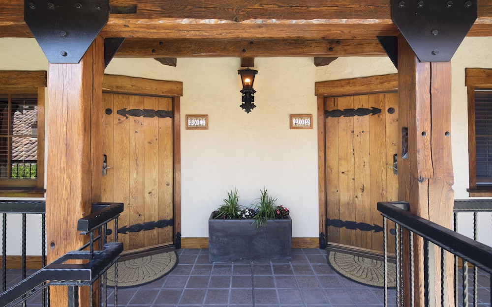 Exterior detail, Rancho Caymus Inn